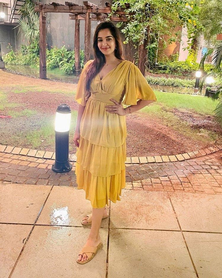 Pujita Ponnada New Images Stylish Look