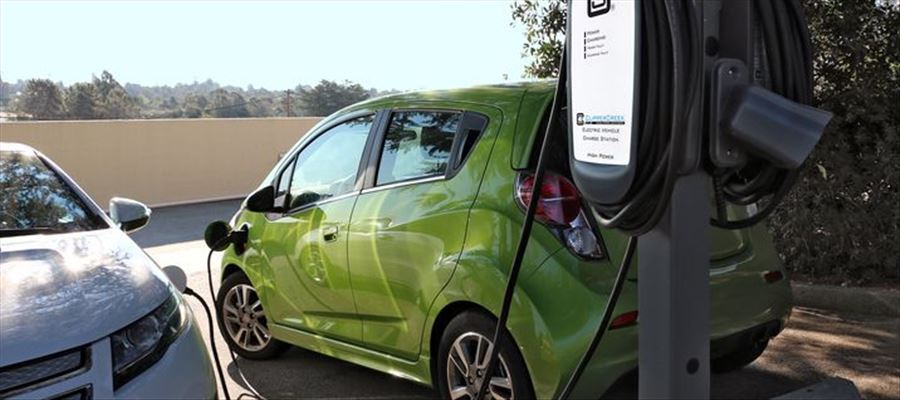 250 smart poles to be installed in Hubballi-Dharwad for charging Electric Vehicles