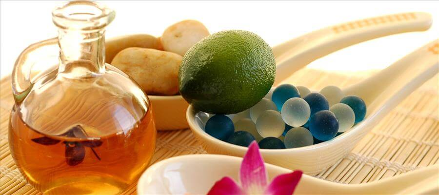 Aroma Oils For Glowing Skin