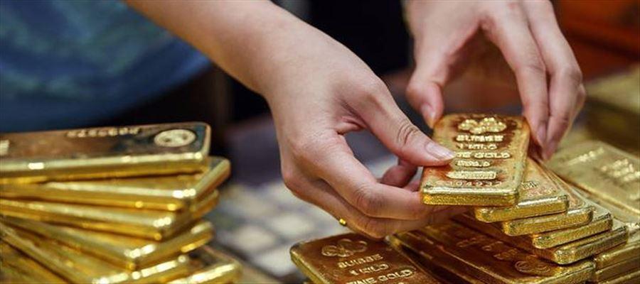 హైదరాబాద్ మార్కెట్లో బంగారంతో చేసిన ఫోన్..మీరు కొంటే...దానం చేసేస్తారట