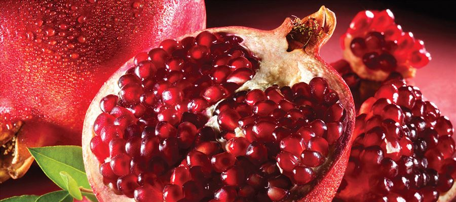 Incredible benefits of eating Pomegranate on a Daily basis