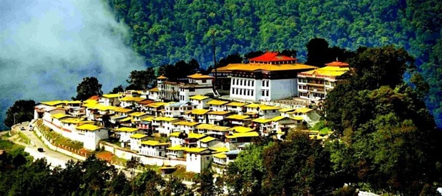Tawang- Best known for adventure-seekers & mountain-lovers