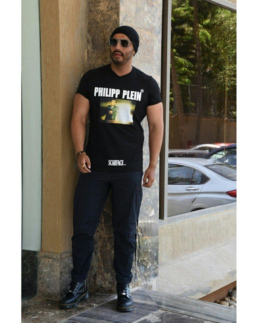 Arjun Kapoor spotted outside the gym