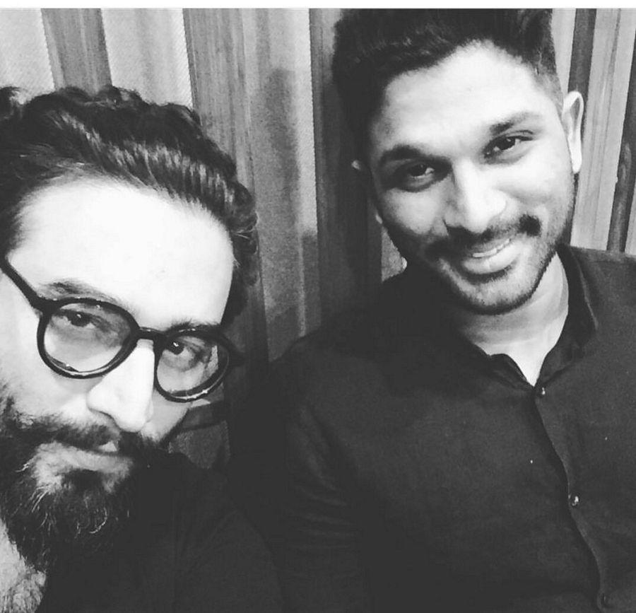 Stylish Star Allu Arjun Visited Vishal Sekhar's studio in Mumbai
