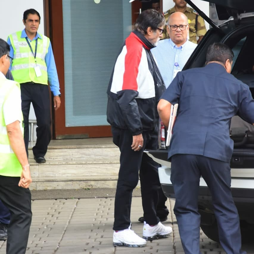 Amitabh Bachchan Pulls Off A Track Suit In Style