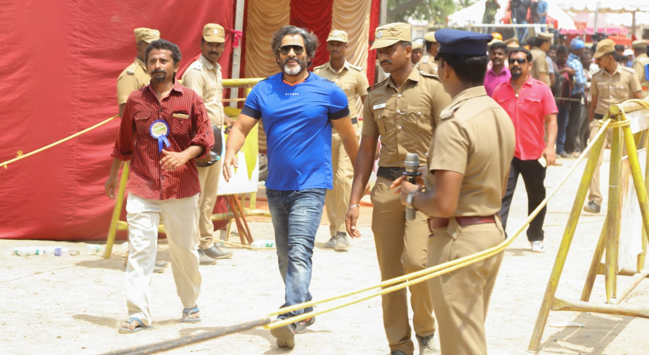 Exclusive Pics Of Vikram From Nadigar Sangam Election