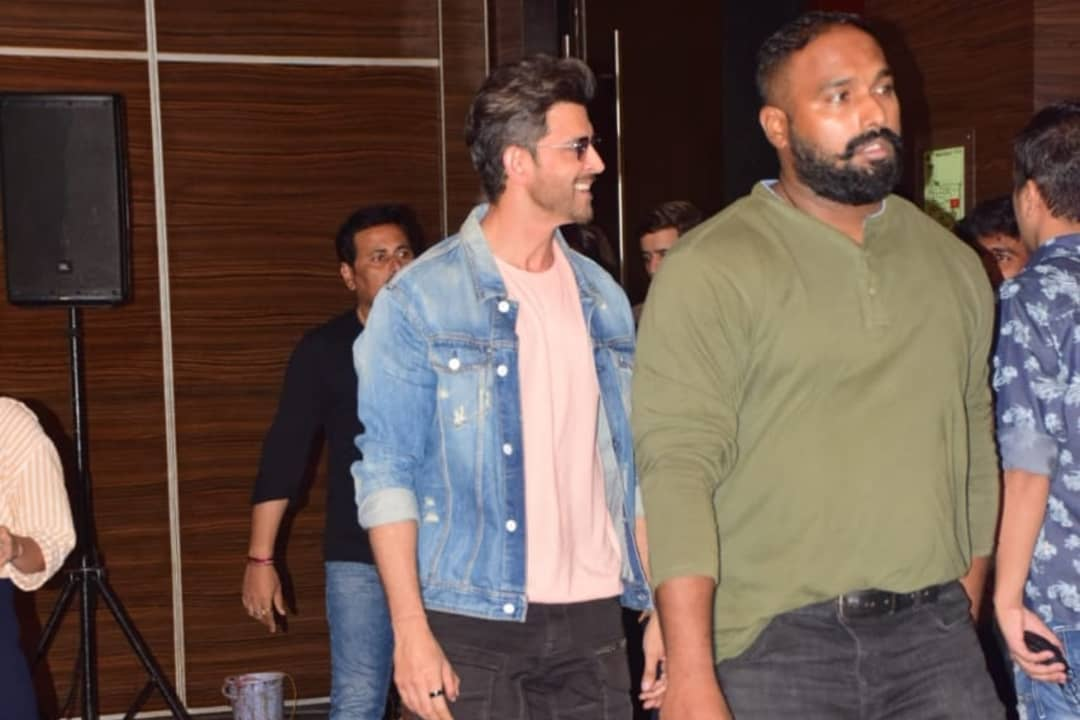 Hrithik Roshan And Mrunal Thakur Promoting Super 30 Movie With Dance