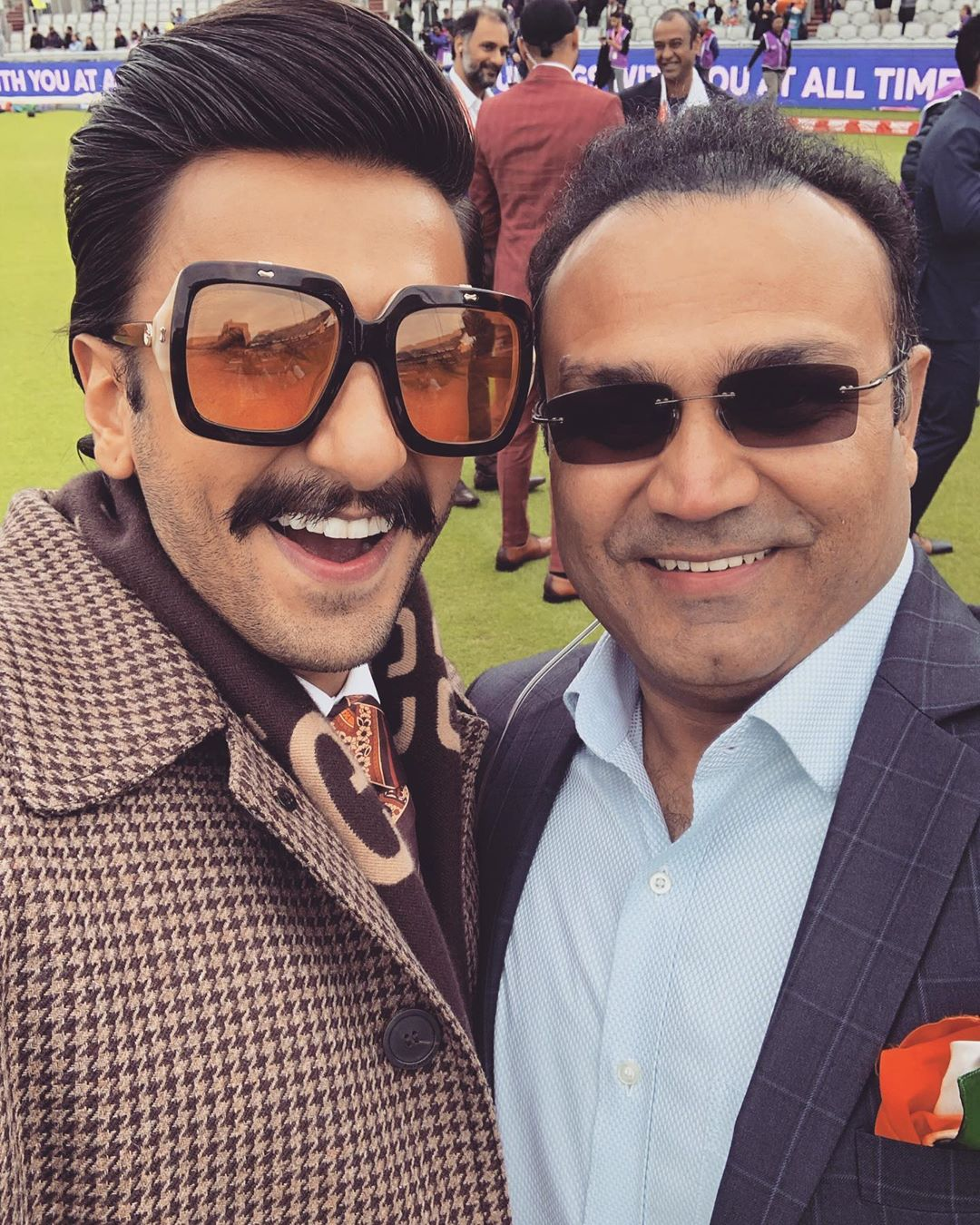 Ranveer Singh With Older Generation Cricket Player At ICC Cricket World Cup