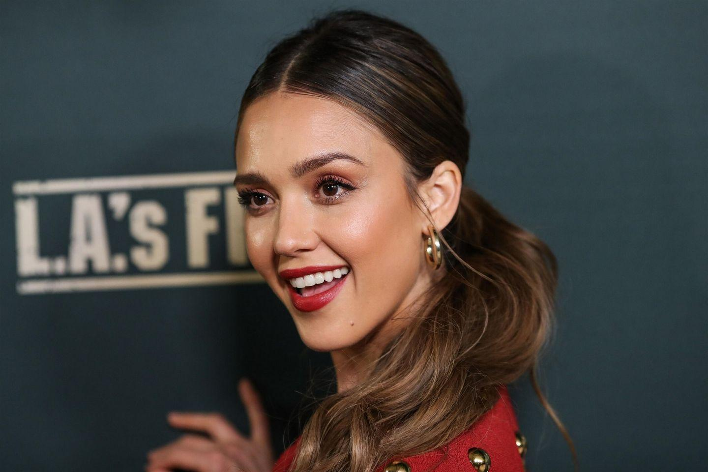 Jessica Alba - L.A.s Finest Premiere in West Hollywood - Set 2