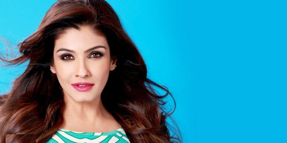 30+ Raveena Tandon Looks Elegantly H0T In A Saree & Latest