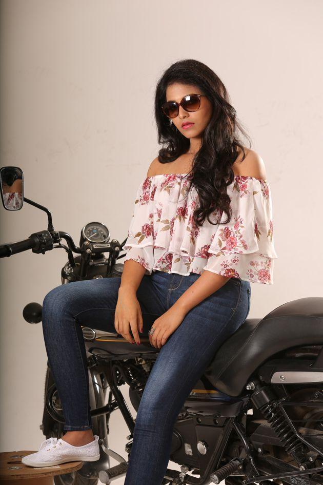 Actress Anjali Recent New Stills