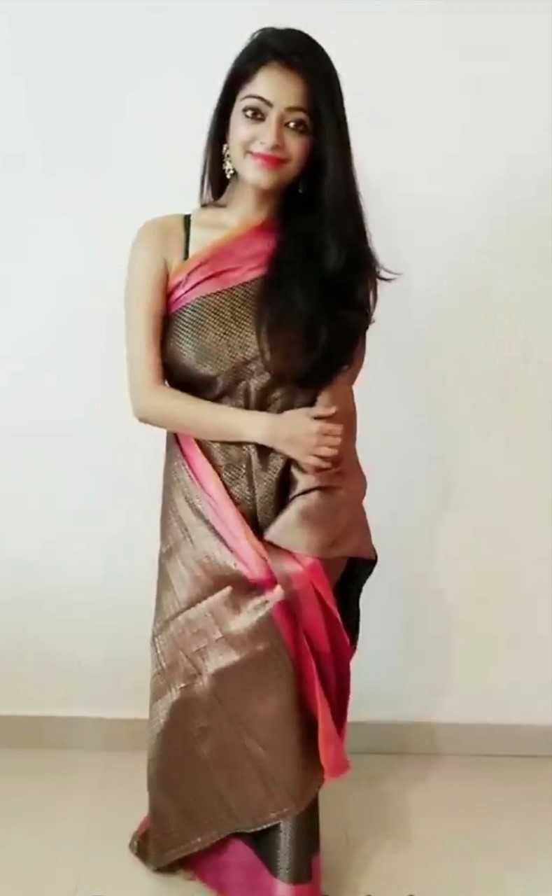 Actress Janani Latest Photos