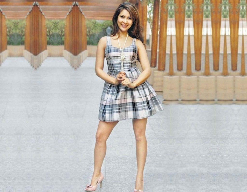 Actress Kim Sharma Latest Stills