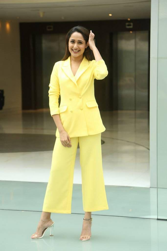 Actress Pragya Jaiswal Latest 2018 Stills