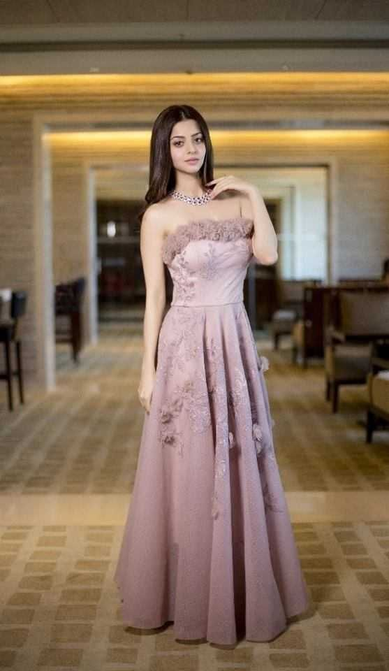 Actress Vedhika New Pictures