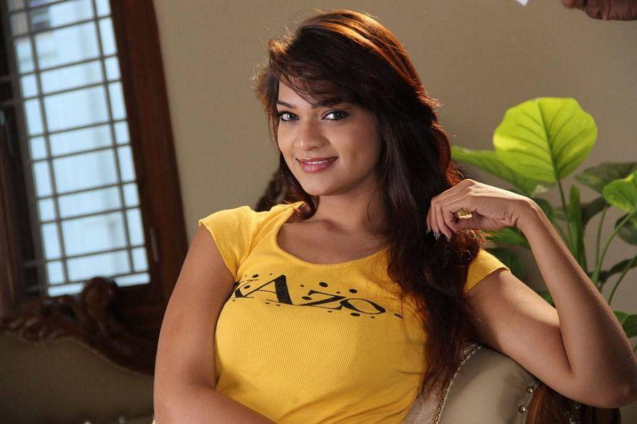 Ashwini Stills From Nuvvu Nenu Osey Orey Movie