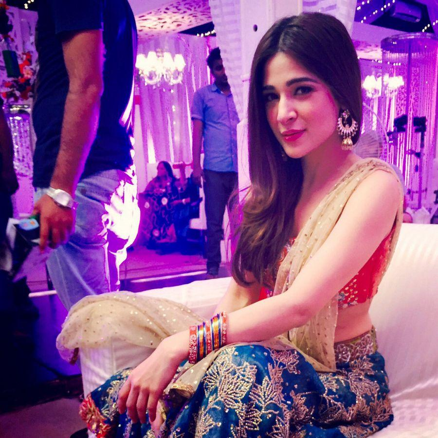 Ayesha Omar Wallpaper: Ayesha Omer Beautiful HD Wallpapers