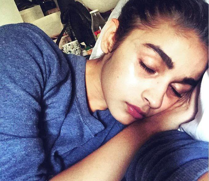 Bollywood Actresses Early Morning Selfies Photos