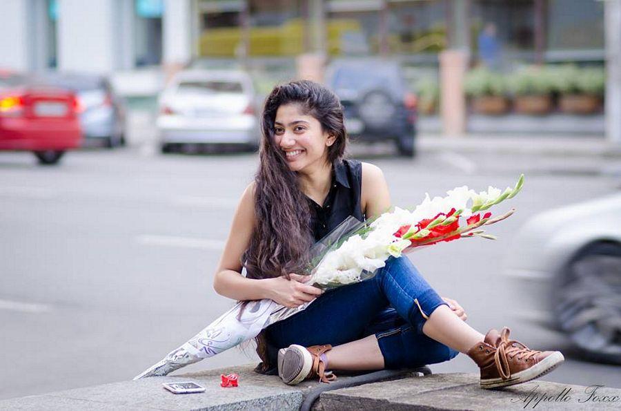 Indian film actress Sai Pallavi Latest Stills