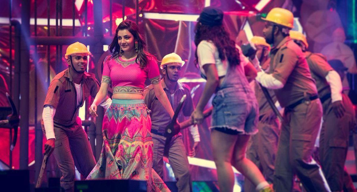 Kajal recent clicks from her stunning dance performance in Vijay Awards