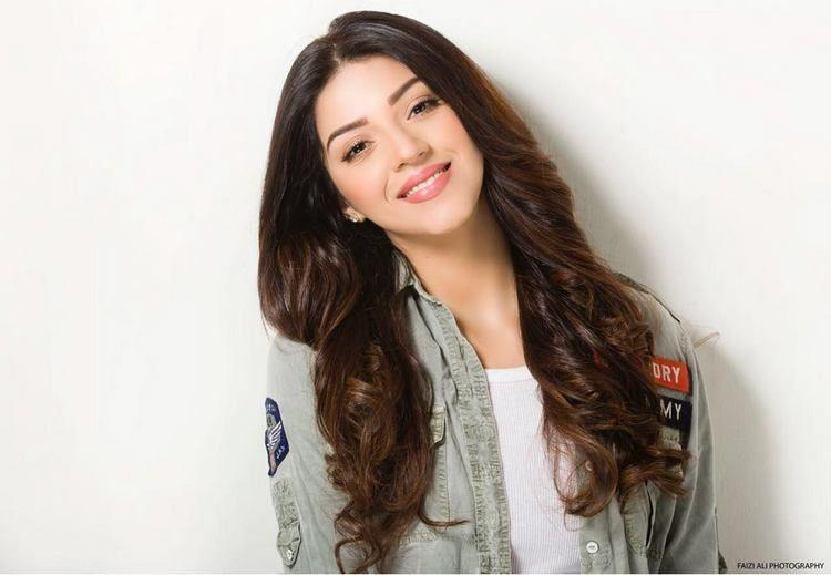 Mehreen Pirzada Latest Unseen Photoshoot Stills