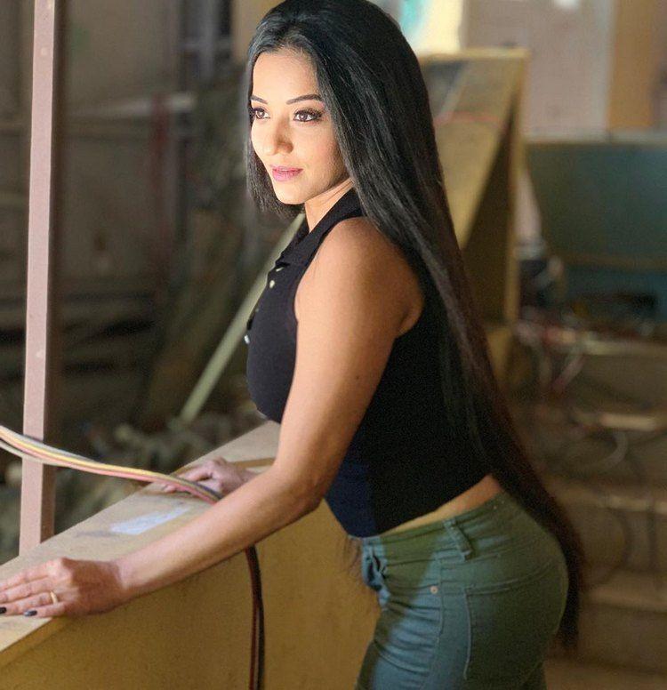 Nazar Serial Actress Monalisa stills