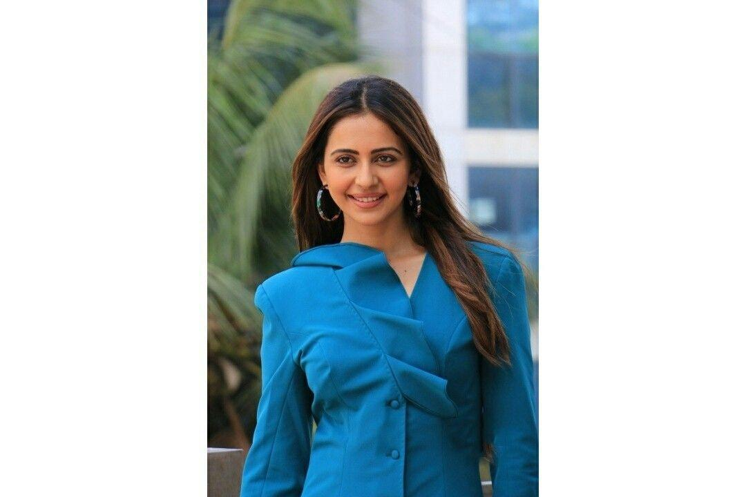 Rakul Preet during success meet of De De Pyaar De in Mumbai