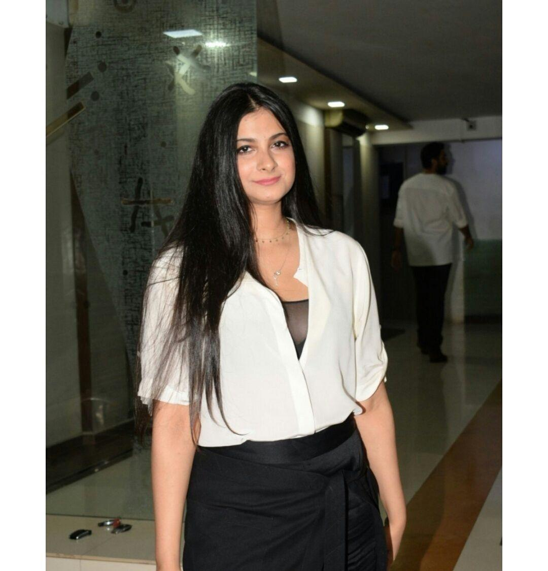 Rhea Kapoor seen at Mallika Bhatt's Party