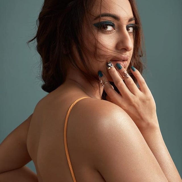 Sonakshi Latests Pictures