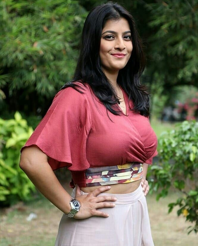 Varalaxmi Sarathkumar at Neeyaa 2 Press Meet