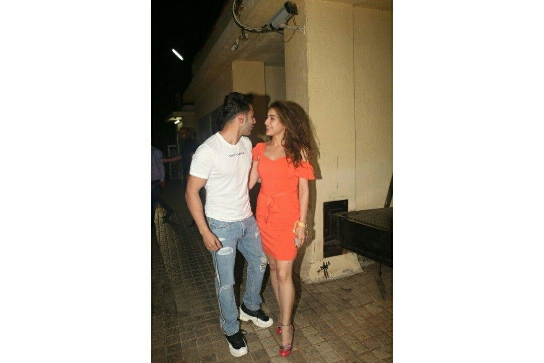 Varun Dhawan and Sara Ali Khan spotted together