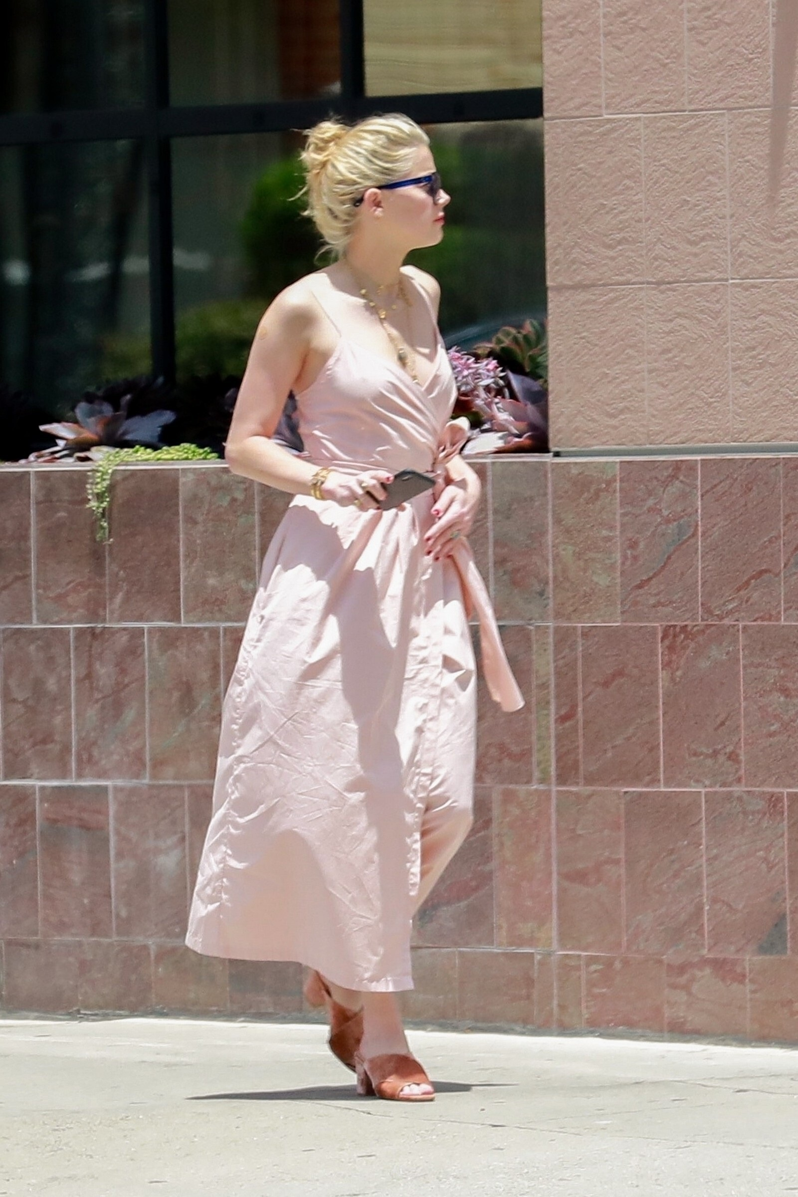 Amber Heard Spotted At Los Angeles