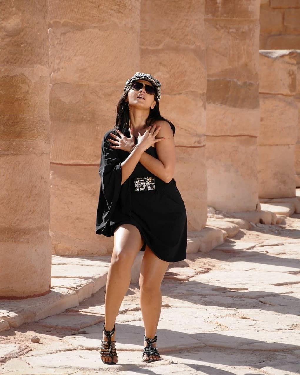 Anushka Hot In Black Rare Hot Stills