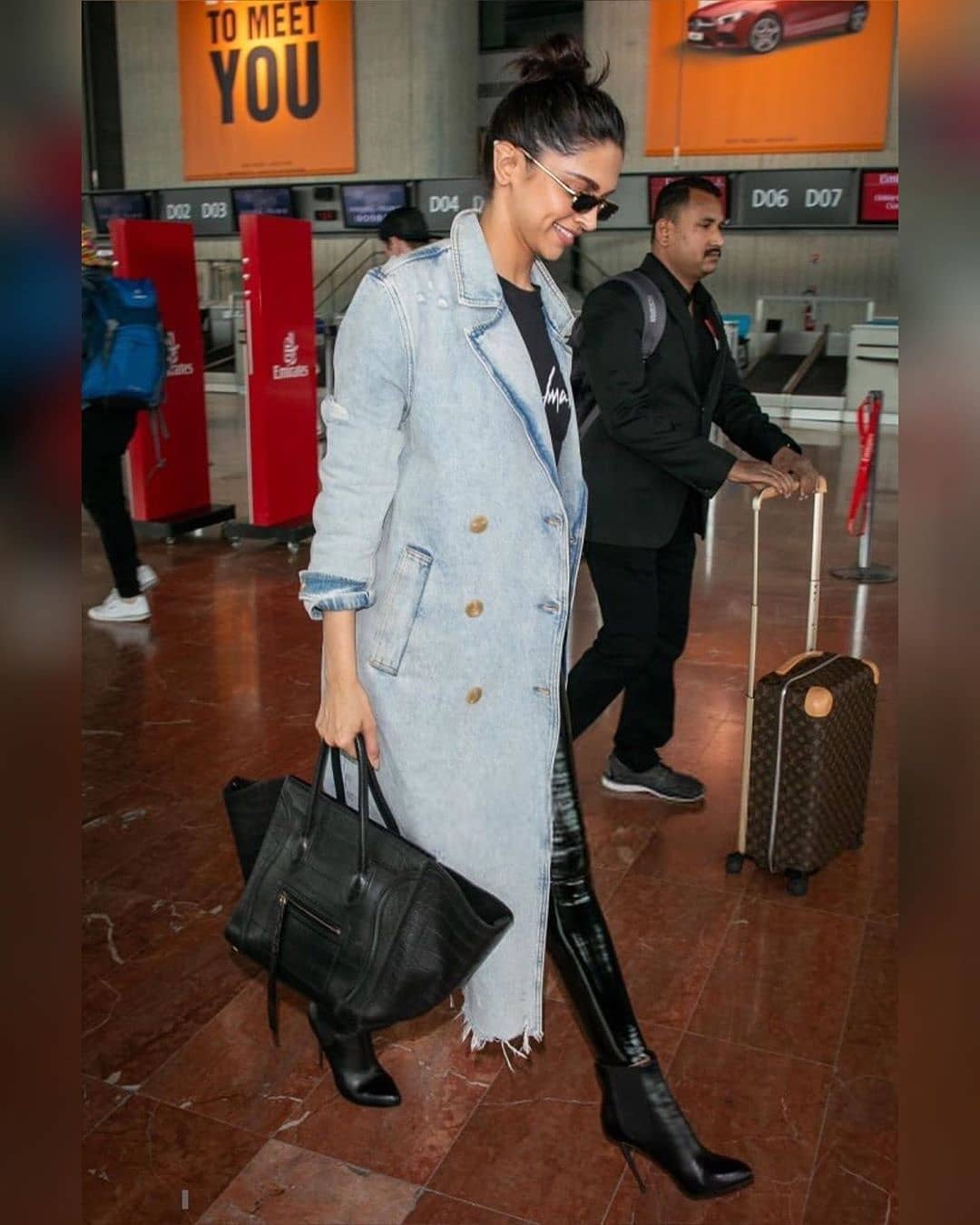 Deepika Padukone Spotted In The Airport