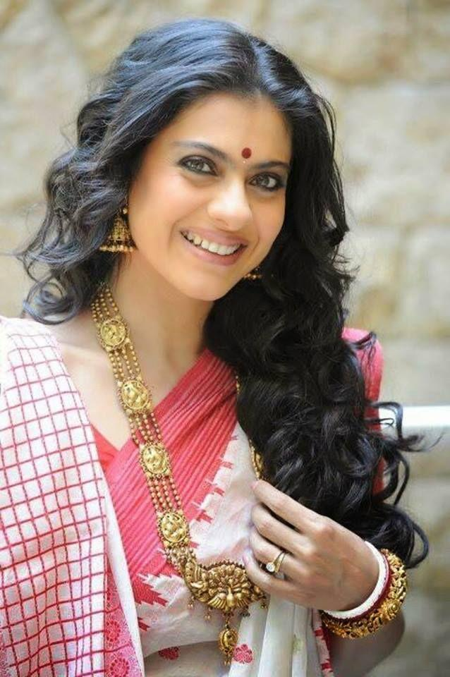 Kajol Devgan Mukherjee Beautiful Saree Pics