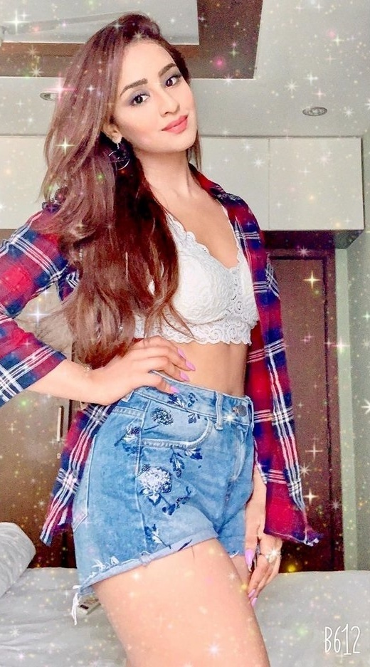 Musskan Sethi Raises The Heat With Her Hot Exposure