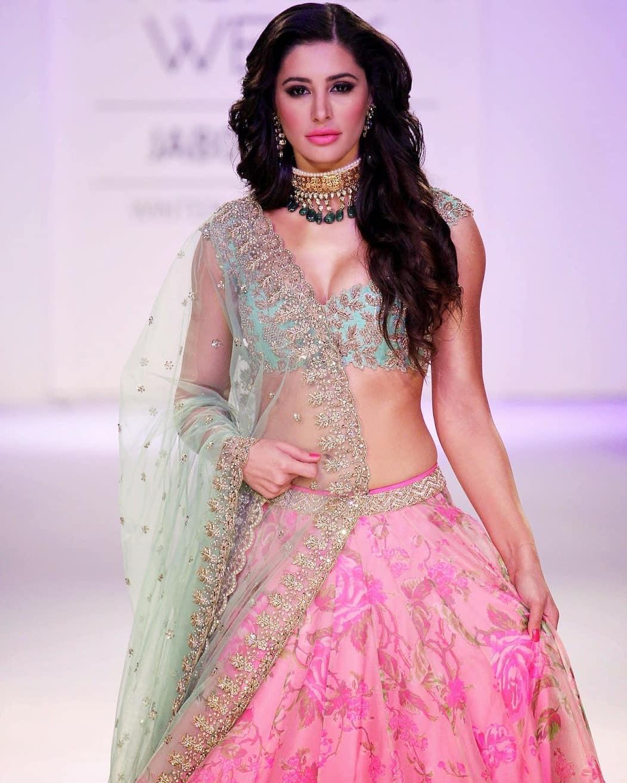 Nargis Fakhri Sexiest Cleavage At Lakme Fashion Week