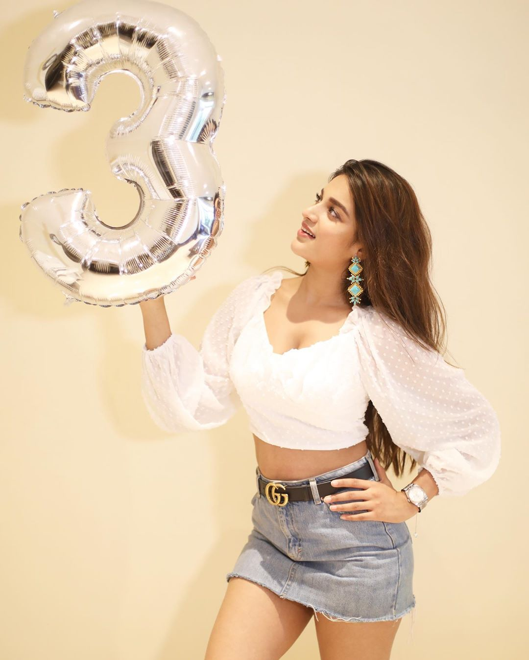 Niddhi Agerwal thanks her fans for 3 Million followers
