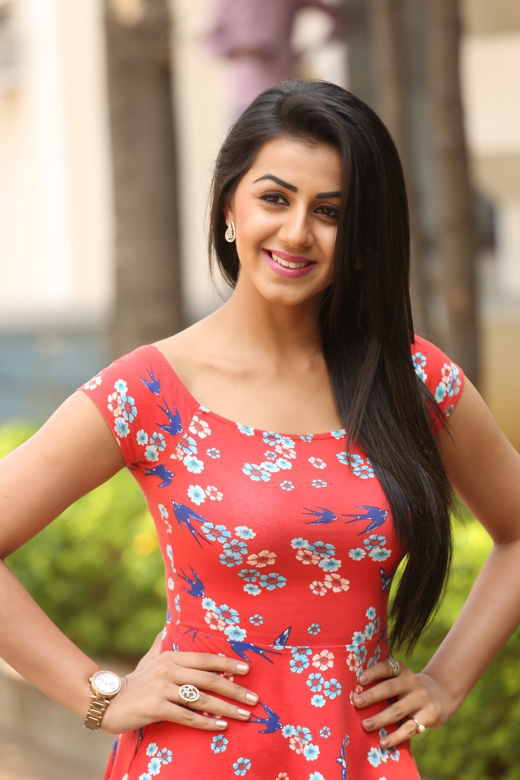 Nikki Galrani In A Pink Short Frock During A Press Set 1