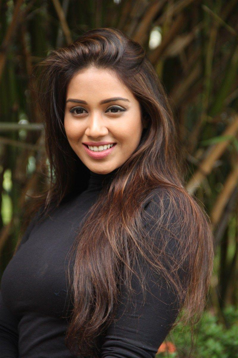 Dusky Tamil Beauty confirms her next project