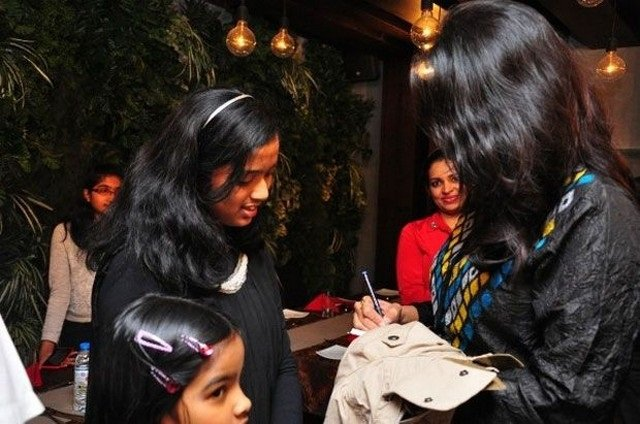 Rare And Unseen Photos Of Anushka Shetty Spending Time With Her Family