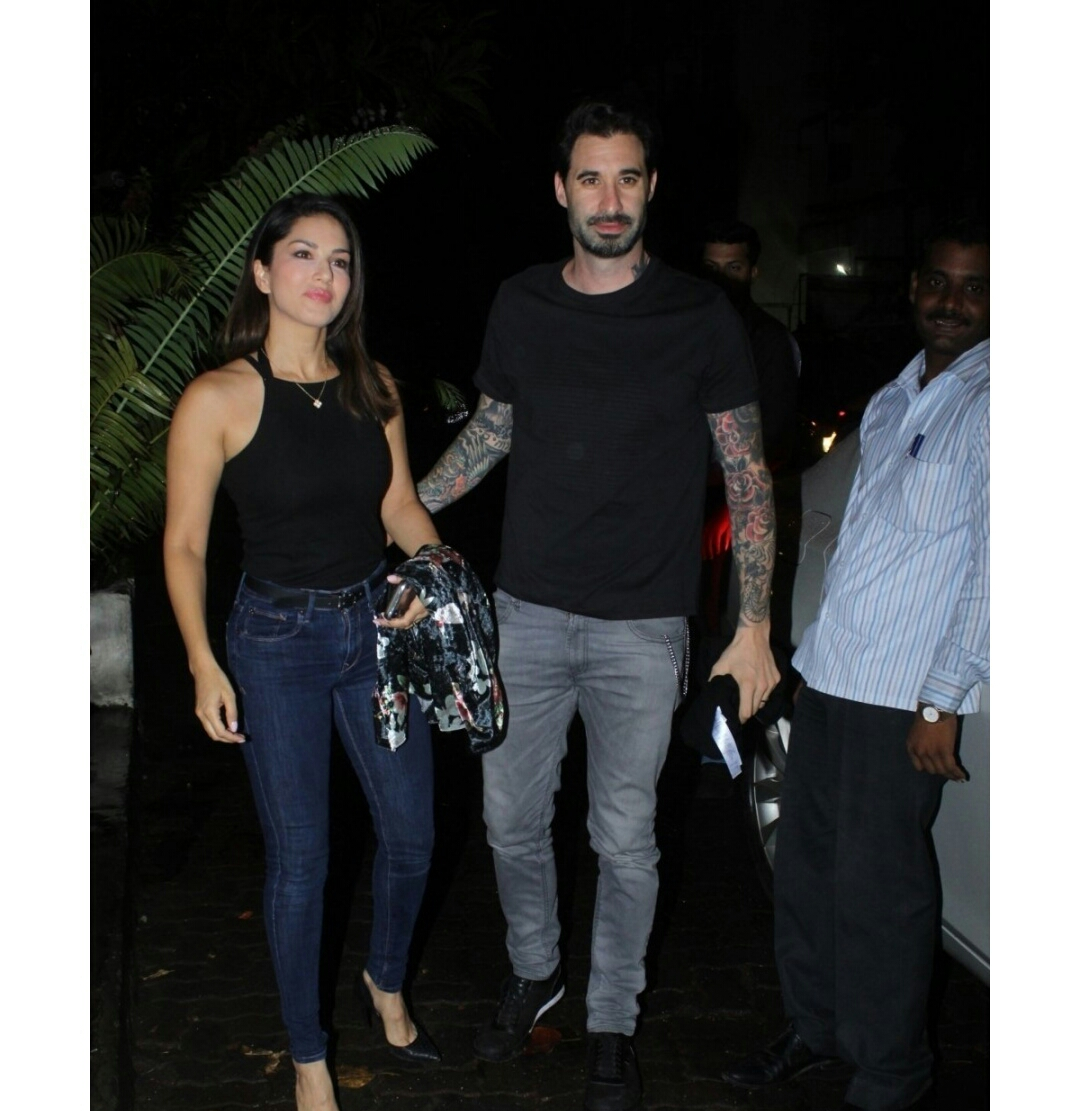 Sunny Leone Seen At A Restaurant