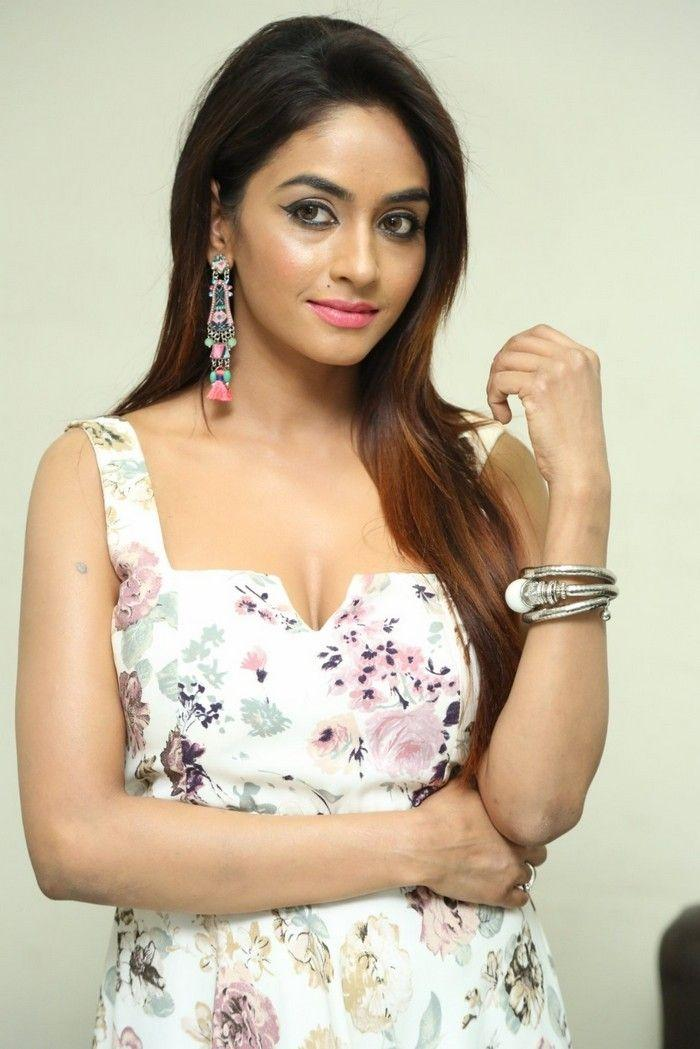 Telugu Actress Pooja Sree Hot Photos in White Dress