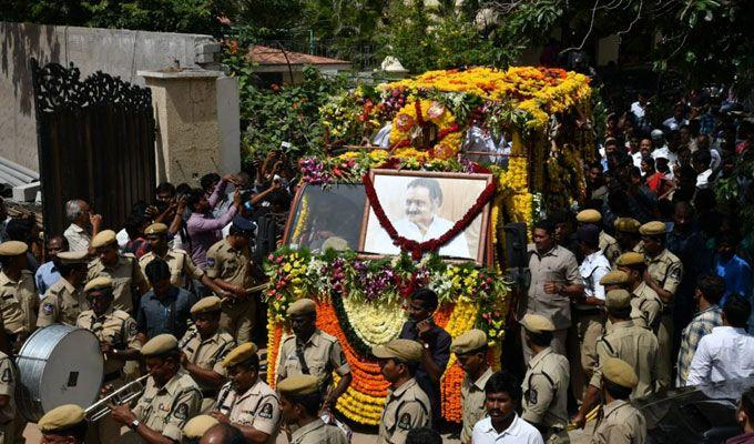 Celebrities Pay Homage To Nandamuri Harikrishna