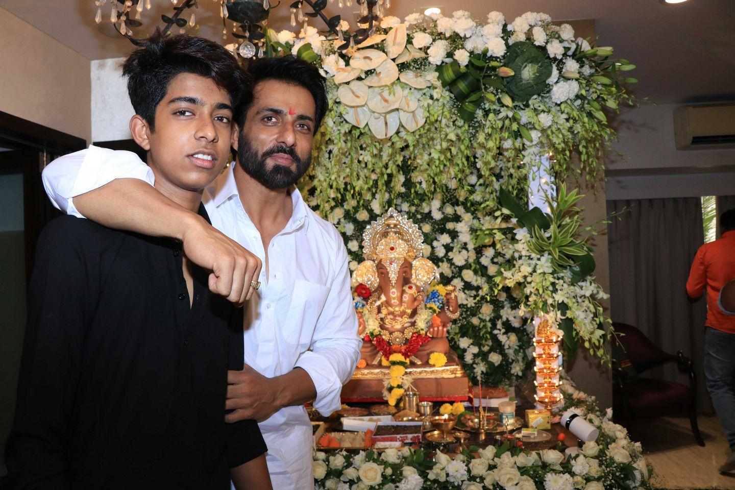 PHOTOS: Ganesh Chaturthi Celebration by Indian Celebrities