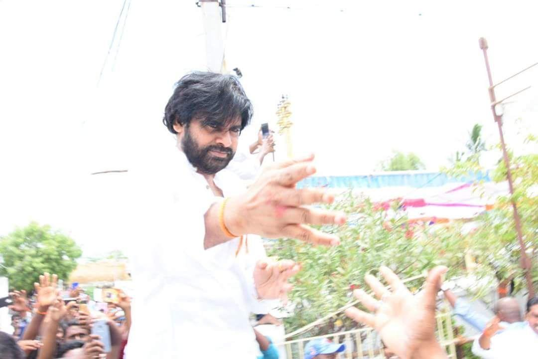 Fans Shocking Behavior with Pawan Kalyan Chittoor Road Show Photos