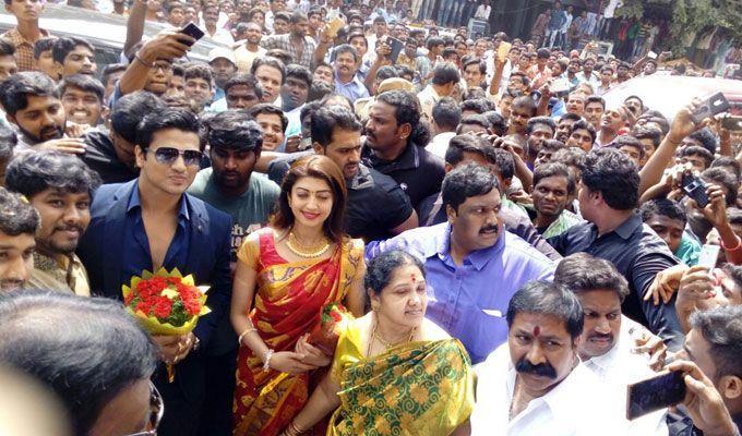 Pranitha Subhash & Actor Nikhil at Nandyal Mall Opening Photos