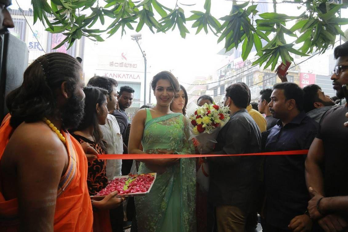 Tollywood Actress inaugurates KLM Fashion Mall Photos