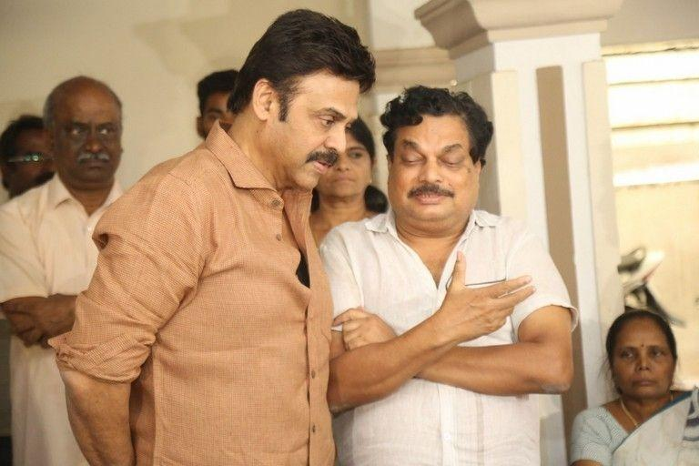 Tollywood Celebs Pay Homage To Director B Jaya Photos