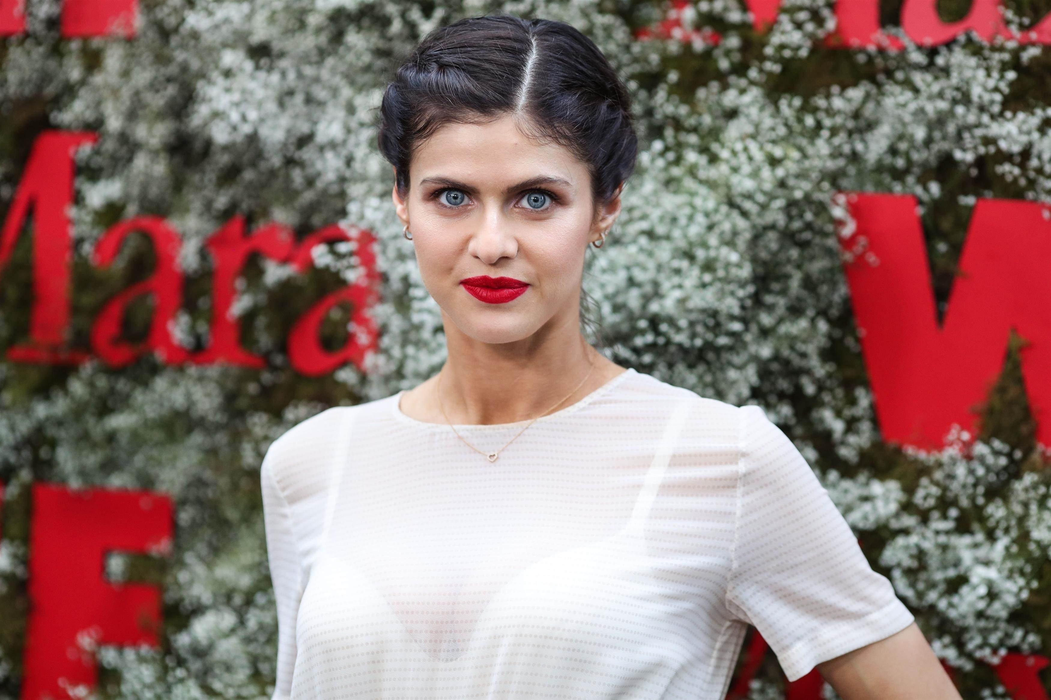 Alexandra Daddario Transparent white dress In Instyle And Max Mara Women In Film Celebration